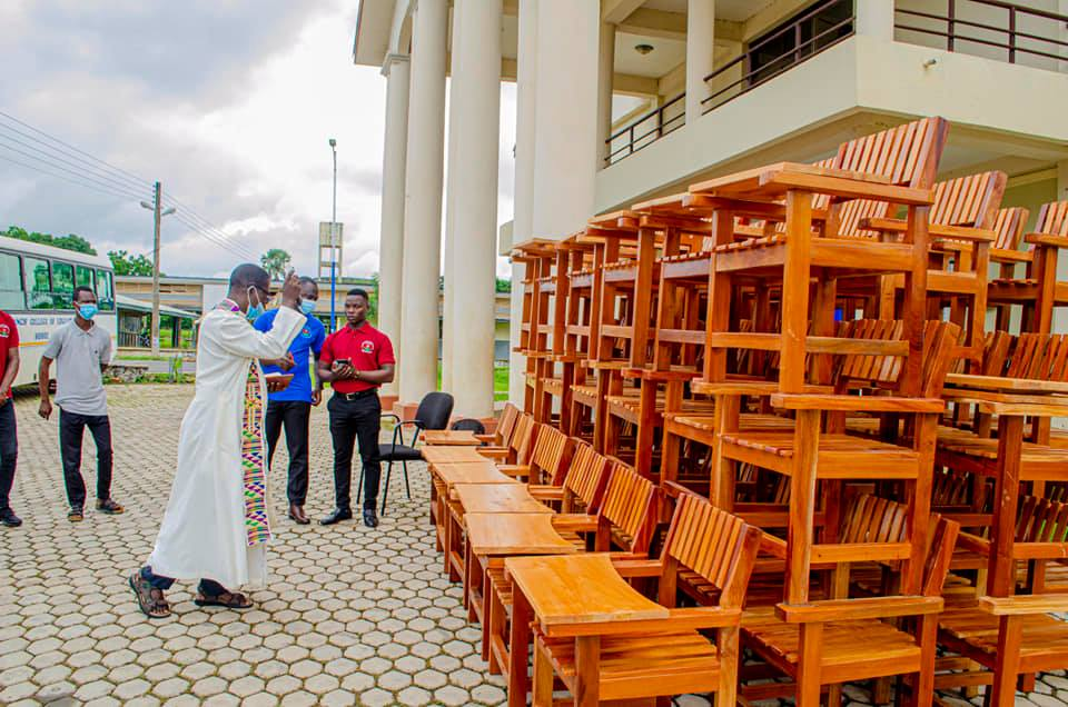 Exclusive: 2019-2021 St Francis College SRC donates Classroom Furniture to College   1