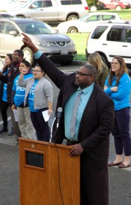 Rep. Eric Pettigrew (D-37) gets the crowd fired up