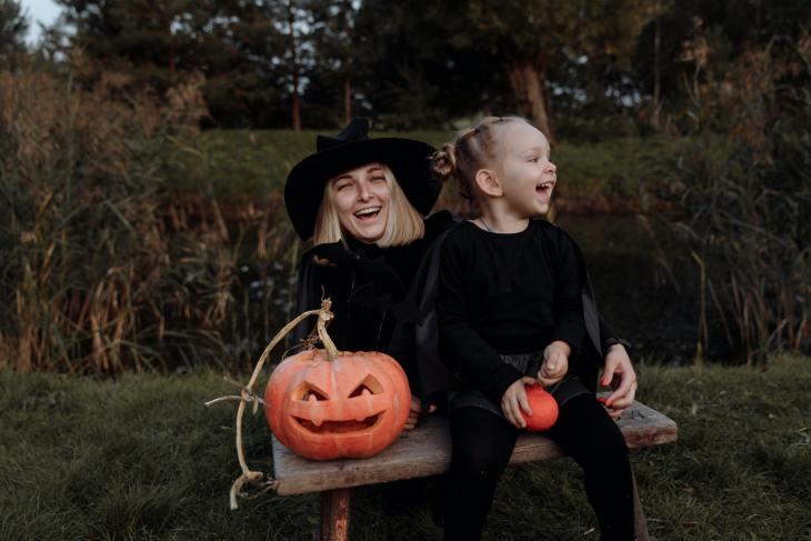 L'Halloween sera différente cette année pour les enfants. Nous vous présentons les trucs des experts pour rendre cette journée autant sécuritaire qu'amusante.