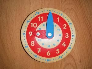Jak nauczyć dziecko korzystać z zegara?