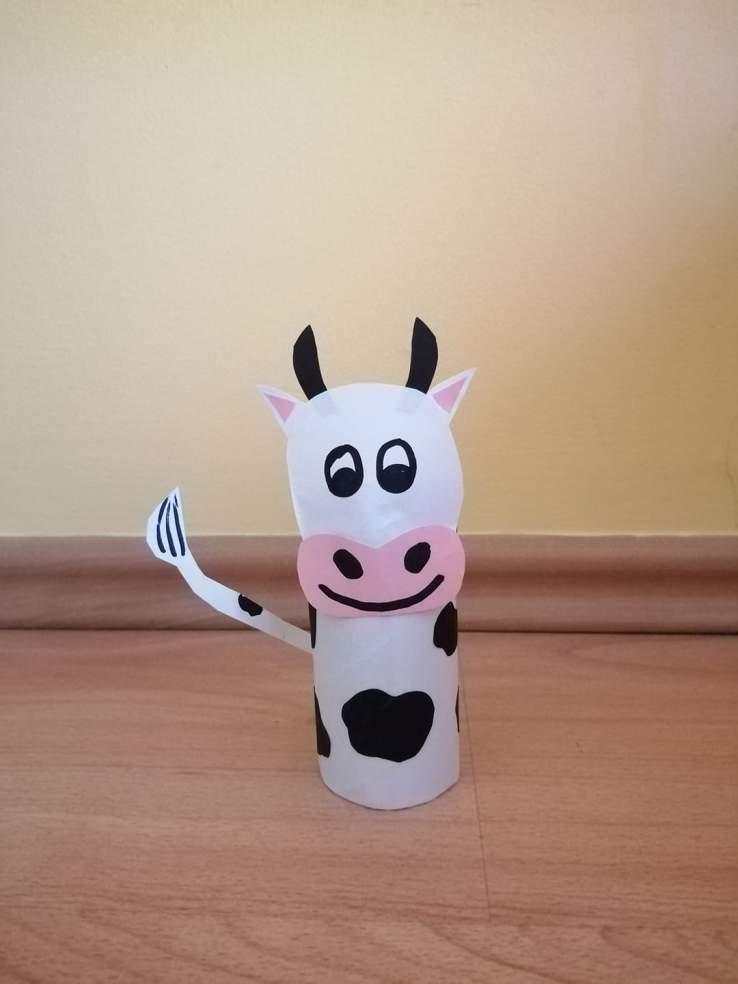 Krowa- praca plastyczna z wykorzystaniem rolki