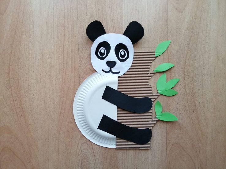 Panda - praca plastyczna z wykorzystaniem talerzyka
