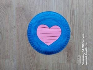 Serce - praca plastyczna z wykorzystaniem talerzyka papierowego
