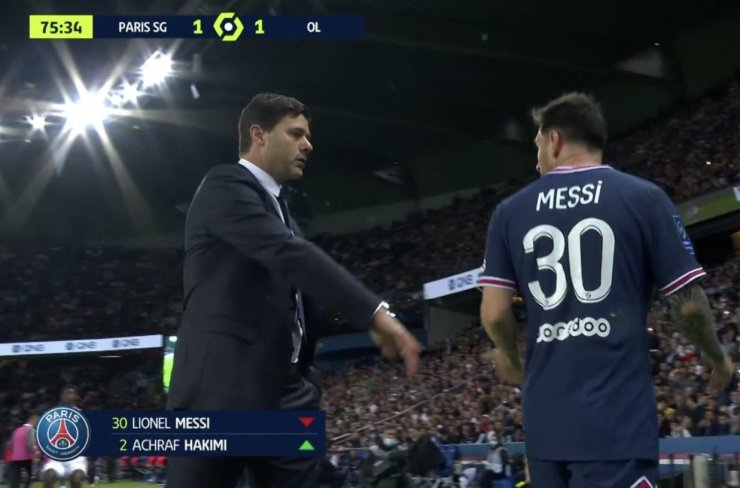 Pochettino defends controversial Messi substitution against Lyon