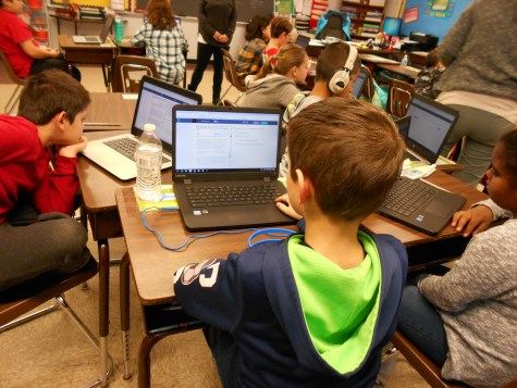 Students practice for PARCC with Edulastic