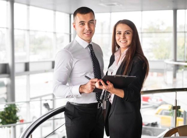 فن البيع وإدارة فرق المبيعات