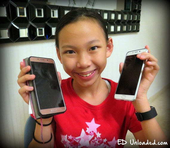 giving-the-mobile-phone-to-kids
