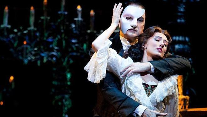 Phantom of the opera returns to singapore