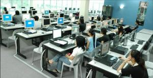 There are many computer labs and other facilities at UCSI University