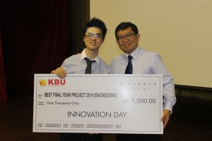 The best project winner for the engineering category Lau Kah Kin with KBU International College Principal Dr Chee Choong Kooi