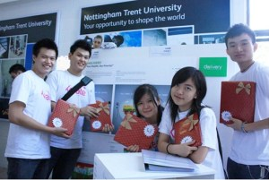 Malaysian Institute of Art (MIA) Graphic Design students Dennis Ong Chong Ho, Tan Su Lian, Lee Chun Yuan, Sherlyn Ho and Lam Jia Wei won the second prize as a group in the competition organized by wREGA Graphic Design Association of Malaysia