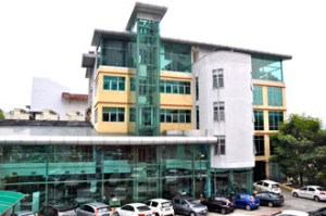 The library & computer labs are located inside the Learning Resource Centre at UCSI University