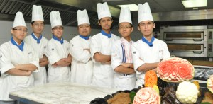 Gold and Silver Medals for BERJAYA UCH – Students awarded medals at the IASC-Asian Culinary Challenge 2013