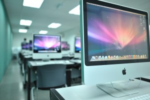 Mac Lab at IACT College