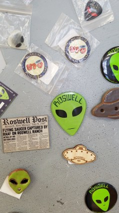 more-alien-magnets-roswell-nm