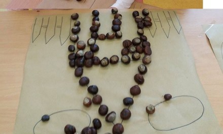 Jesienna układanka z żołędzi i kasztanów
