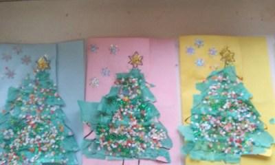 Choinki z zielonej bibuły Kreatywnie z dzieckiem Monika Okoń Prace plastyczne (Boże Narodzenie) Święta Zima