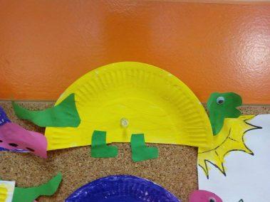 Dino z talerza Dzień Dinozaura Kreatywnie z dzieckiem Monika Okoń Zwierzęta