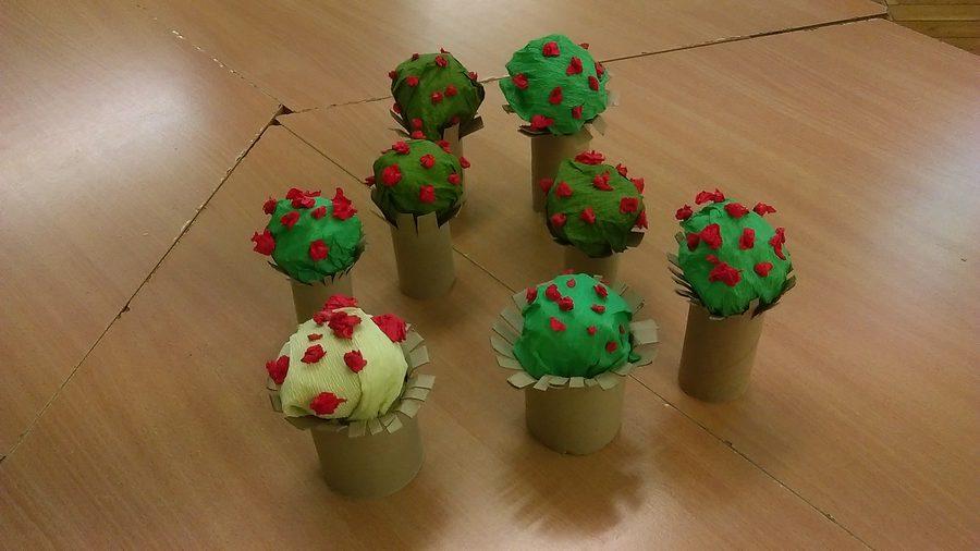 Kwitnące drzewa z bibuły Dzień Drzewa Dzień Ochrony Środowiska Dzień Ziemi Izabela Kowalska Kreatywnie z dzieckiem Prace plastyczne Rośliny Wiosna