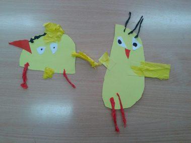 Kurczaczki - wycinanka Marlena Wrońska Prace plastyczne Prace plastyczne (Dzień Zwierząt) Prace plastyczne (Wielkanoc) Światowy Dzień Zwierząt Wielkanoc (Prace plastyczne) Zwierzęta (Prace plastyczne)