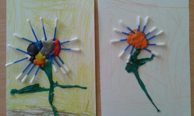 Kwiatek z patyczków do uszu