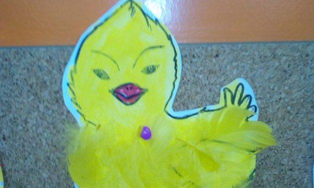 Pisanki i kurczaczki z piórek