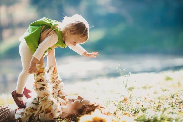 Mama i ja Agata Dziechciarczyk Dla mamy i taty (Wierszyki) Dzień Rodziny (Wierszyki) Wierszyki