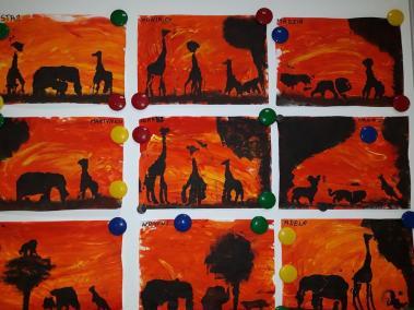 Krajobraz z wykorzystaniem farb Kreatywnie z dzieckiem Małgorzata Wojkowska Prace plastyczne (Dzień Zwierząt) Światowy Dzień Zwierząt Zwierzęta