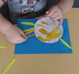 Słońce farbami malowane Dominika Kobylak Jesień Jesień Kreatywnie z dzieckiem Lato Prace plastyczne (Jesień) Prace plastyczne (Wiosna) Wiosna