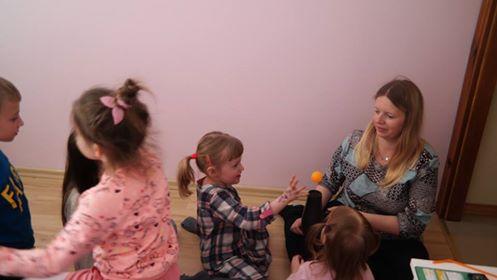 Piłka w pułapce - eksperyment Aneta Grądzka-Rudziak Kreatywnie z dzieckiem