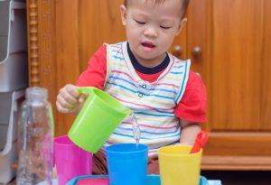 20 najlepszych zajęć dla 2-letnich dzieci w domu i na powietrzu Artykuły