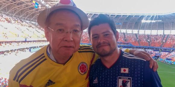 Gozando con un nuevo compañero Japonés en el Mundial de Futbol Rusia 2018