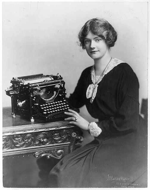 The Type-Writer Girl – Edwardian Promenade