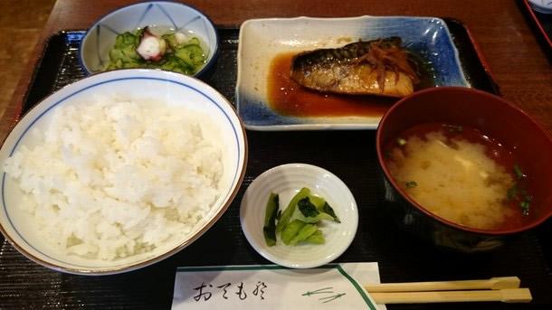 串料理たまき鯖煮付け定食