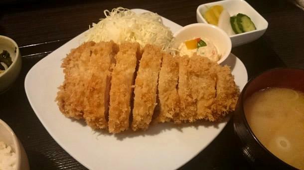 霧降高原豚特ロースかつ(230g)定食