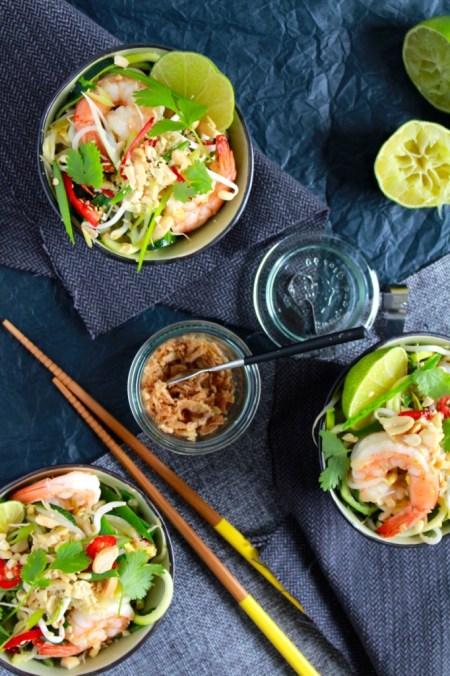 Courgetti pad thai met scampi / www.eenlepeltjelekkers.be