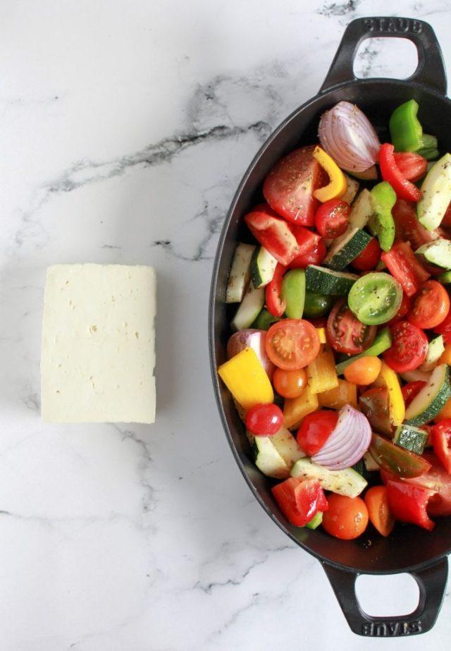 Groenten in ovenschaal doen met olijfolie en oregano / www.eenlepeltjelekkers.be