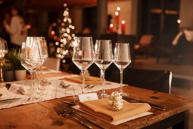 Mooi gedekte tafel / www.eenlepeltjelekkers.be