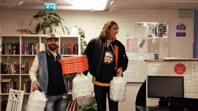 Helsingi King Kebab sai sõimata, et tasuta toitu jagas
