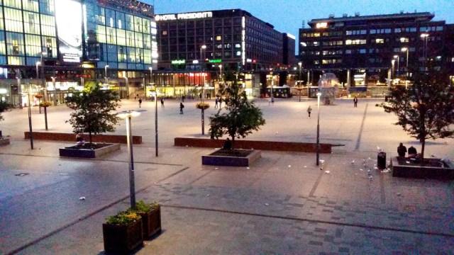 Helsingi meeleavaldused tahetakse viia Kamppi juurde