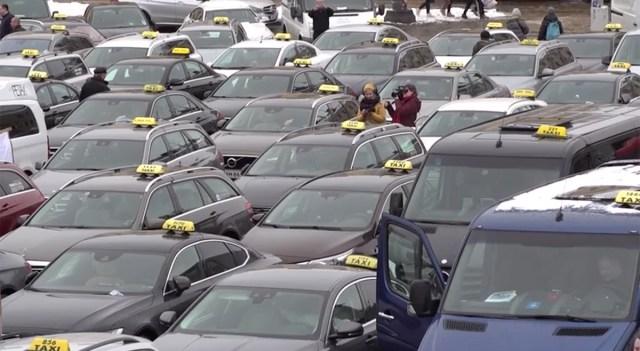 Helsingi taksojuhid avaldasid meelt regulatsiooni leevendamise vastu