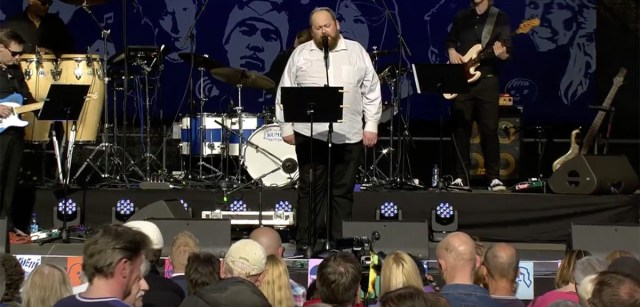 Miljoonasade laulu esitas Tallinnas Soome päeva kontserdil Jaan Pehk