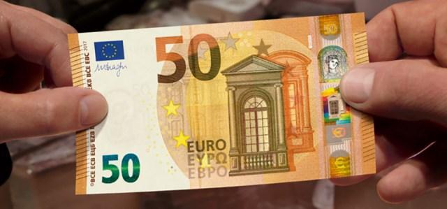 Itaalia turistid jäid Stockmannis valerahaga vahele ja pandi vangi