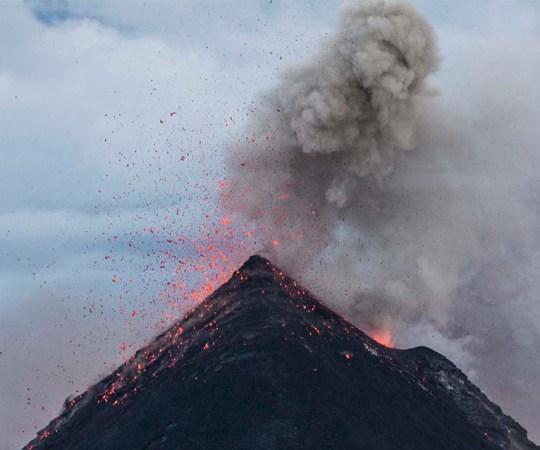 OHU MÄRK: Islandil pulbitseb uus vulkaan