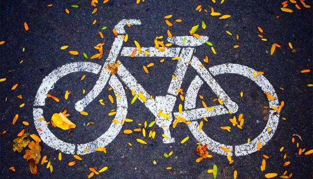 Helsingis ollakse hädas rattavargustega – naisel viidi ratas kesklinnas nina alt minema