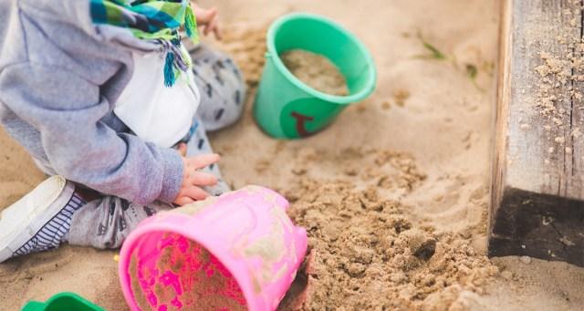 Soomes tulid välja uued lasteaedadega seotud asjaolud: lapse verine pea peideti mütsi alla
