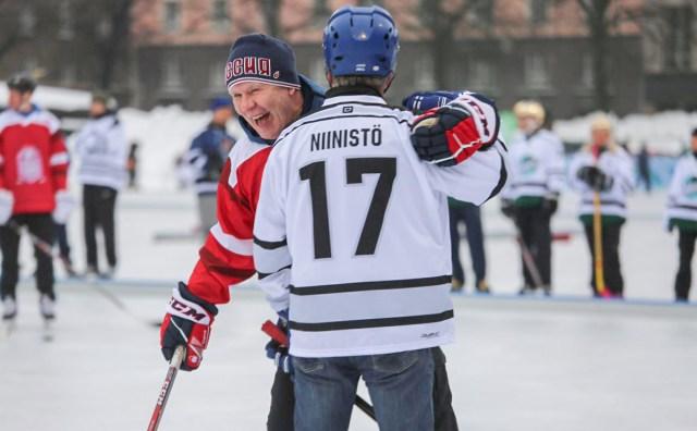 Soome president mängis Slava Fetissovi vastu hokit