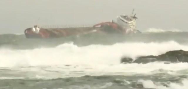Mis oleks võinud juhtuda: kruiisilaevale appi tõtanud kaubalaev triivis madalikule