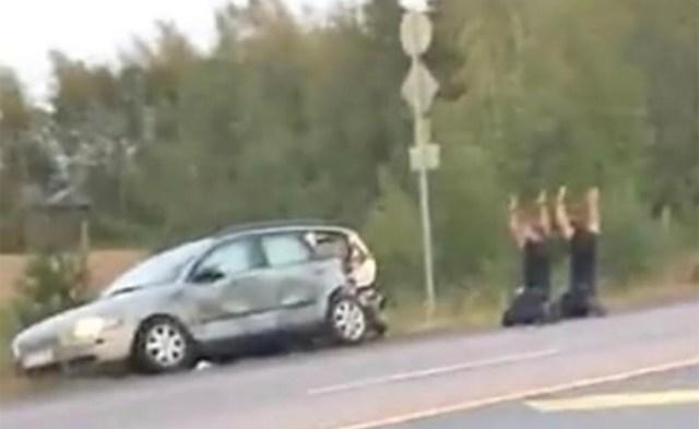 KARM KINNIVÕTMINE SOOMES: Vaata, kuidas politsei tabas Porvoo tulistajad – lisatud video (ettevaatust: võib olla šokeeriv materjal!)
