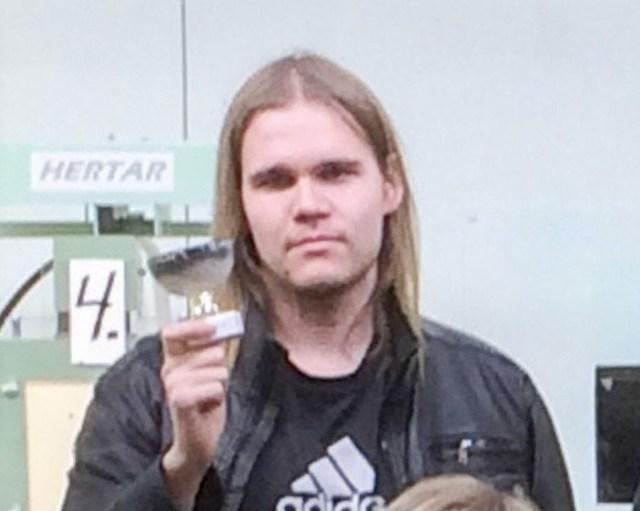 Kuopio kahtlusalune mõõgamees on üks kahest raskelt vigastatust, teine on õpetaja